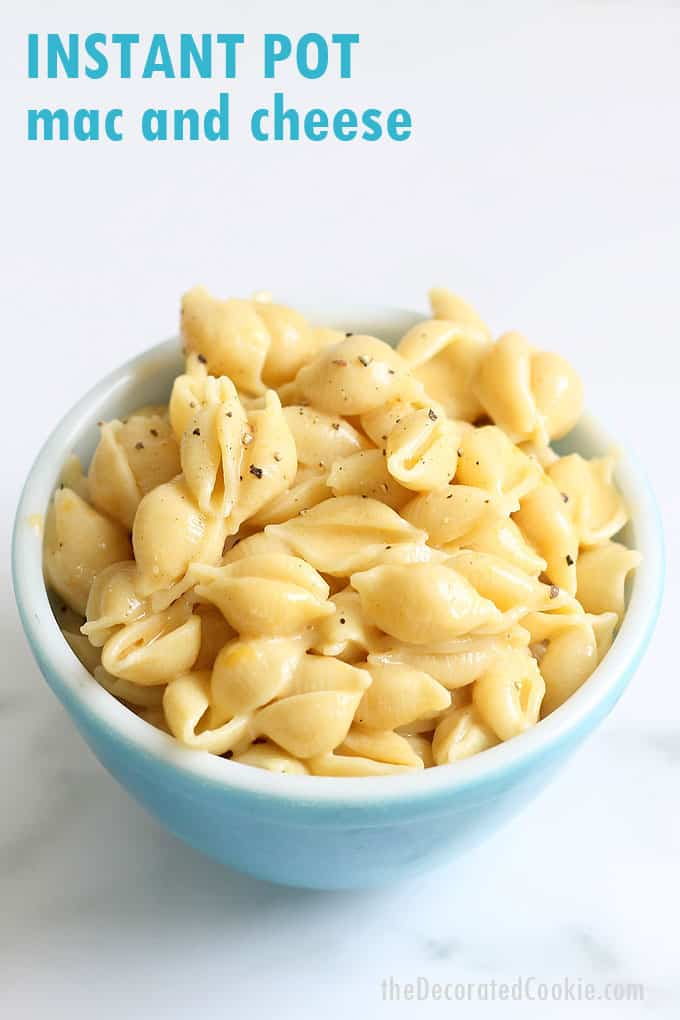 THE BEST INSTANT POT MAC AND CHEESE recipe-- Creamy, delicious, and ready in minutes. This pressure cooker macaroni and cheese is perfection. Video recipe. #instantpot #macandcheese #macaroniandcheese #easymacandcheese #instantpotmacandcheese #dinner #sidedish