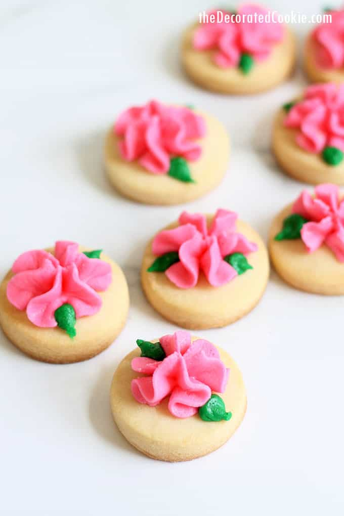 MINI ROSE COOKIES -- Buttercream frosting flowers on sugar ...