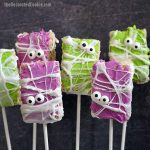 image of six halloween rice krispie treats