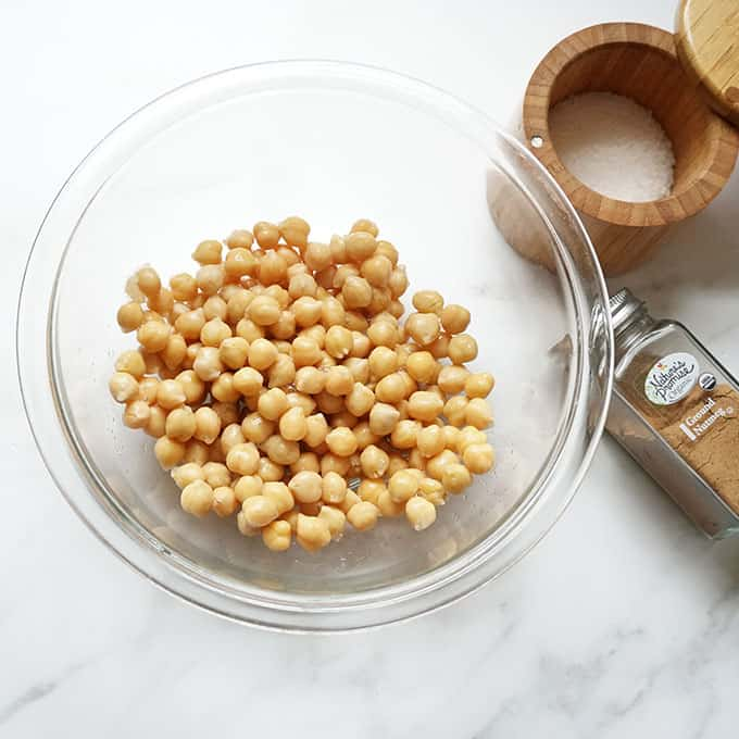 chickpeas in a bowl for crispy chickpeas in air fryer