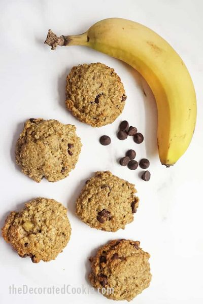 banana oatmeal breakfast cookies with banana and chocolate chips