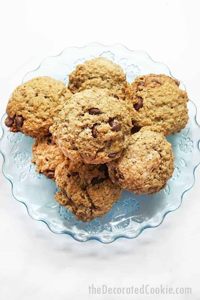 banana oatmeal breakfast cookies on blue plate